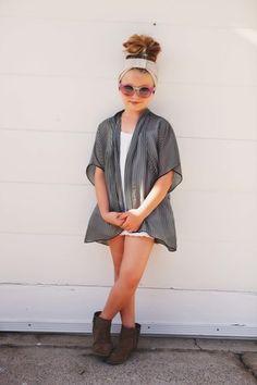:: wild&whimsy - black and gray stripe kimono ::