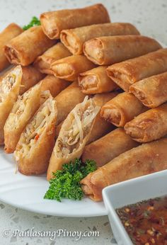Vegetable Lumpia, Vegetable Egg Rolls, Vegetable Spring Rolls, Chicken Spring Rolls, Vegetable Recipes, Vegetarian Recipes, Cooking Recipes, Vegetable Dish, Lumpia Recipe Filipino