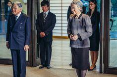 Políticos do Japão querem revisão na lei imperial Políticos japoneses pedem revisão urgente nas leis relativas à Casa Imperial, devido à grande repercussão internacional da abdicação do Imperador Akihito.