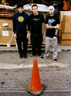 For everything Blink 182 check out Iomoio Blink 182 Albums, Enema Of The State, Boring To Death, Tom Delonge, Travis Barker, Make Her Smile, Album Releases, Music Bands, Cool Bands