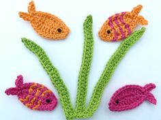 Crochet applique 4 small crochet fish with by MyfanwysAppliques accessories shop Crochet Applique Patterns Free, Kids Knitting Patterns, Hand Applique, Hand Embroidery Patterns, Crochet Motif, Crochet Flowers, Hand Crochet, Knitting Projects, Crochet Toys