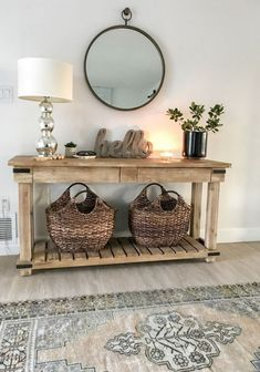 Fall entryway decor easy + simple touches to welcome fall into your home - diy-home-decor Fall Entryway Decor, Entryway Tables, Entryway Ideas, Hall Way Decor, Console Table Decor, Entrance Table Decor, Rustic Console Tables, Entryway Mirror, Entryway Furniture