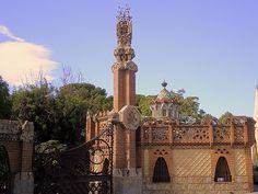 Güell Pavilions by Antonio Gaudi in Barcelona Spain Organic Architecture, Beautiful Architecture, Contemporary Architecture, Architecture Art, Madrid To Barcelona, Barcelona Spain, Antonio Gaudi, Pavilion, Big Ben