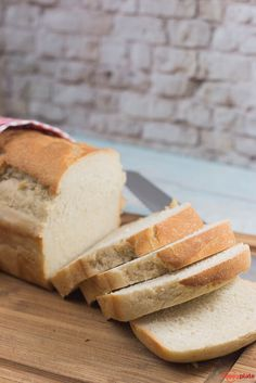 Simple homemade sandwich bread according to Jamie Oliver happy plate - Brot Baking Recipes, Cookie Recipes, Homemade Sandwich Bread, Baked Mac, Sandwiches For Lunch, Half Baked Harvest, Le Diner, Baked Chicken Recipes, Pampered Chef