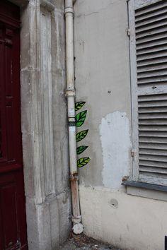 Paste up in Paris 20th district. Collage dans le 20ème arrondissement de Paris.
