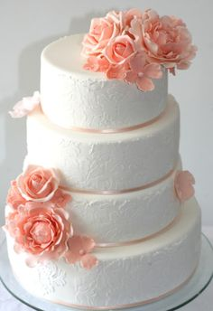 Elegant weddingcake