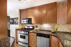 150 West End Avenue #11R is a sale unit in Lincoln Square, Manhattan priced at $869,000.