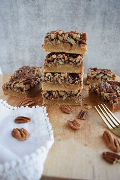 Healthy Pecan Pie Bars – Goodness With G Thanksgiving Celebration, Thanksgiving Recipes, Pear Upside Down Cake, Pecan Pie Bars, Baking Pans, Almond Flour, Sweets, Healthy, Desserts