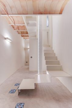 CASA SANT JOSEP   homify Home Ceiling, Nifty, Colonial, New Homes, Stairs, Annex, Home Decor, Interior Ideas, Interiors