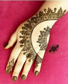 Beautiful Mehndi Design - Browse thousand of beautiful mehndi desings for your hands and feet. Here you will be find best mehndi design for every place and occastion. Quickly save your favorite Mehendi design images and pictures on the HappyShappy app. Latest Arabic Mehndi Designs, Indian Mehndi Designs, Mehndi Designs 2018, Mehndi Designs For Girls, Mehndi Designs For Beginners, Modern Mehndi Designs, Mehndi Design Pictures, Mehndi Designs For Fingers, Beautiful Mehndi Design