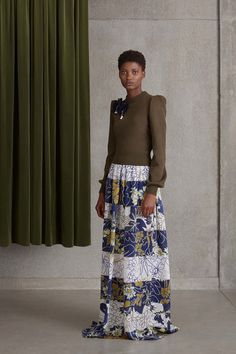 Catwalk photos and all the looks from Roksanda - Pre Spring/Summer 2017 Ready-To-Wear London Fashion Week