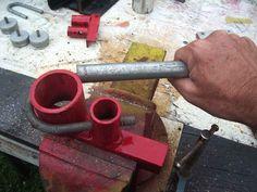 Finest Metal Welding tips Get More Info Metal Bending Tools, Metal Working Tools, Metal Tools, Metal Art, Metal Projects, Welding Projects, Welding Tips, Welding Bench, Metal Welding