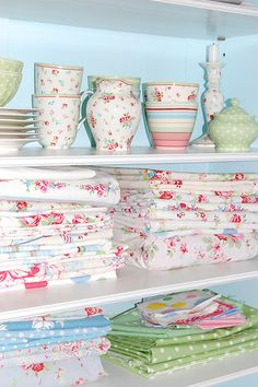If you look long enough, you also might find some Cath Kidston fabrics between all the Green Gate stuff. ;)