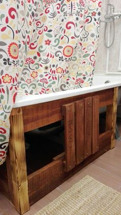 The down part of the bathtub. DIY out of fruit boxes. Fruit Box, Buffet, Boxes, Bathtub, Cabinet, Bathroom, Storage, Diy, Furniture