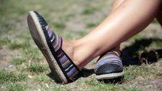 Этот хитроумный трюк избавит вашу обувь от неприятного запаха | GERMANIA.ONE