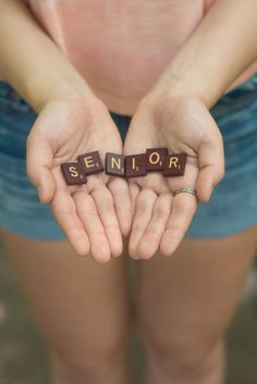 SENIOR PHOTOS | Senior picture ideas for girls | senior pictures | © from moments to memories photography by sheila skogen