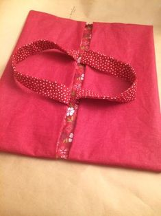 DIY Tuto easy reversible pie bag coated fabric as a gift