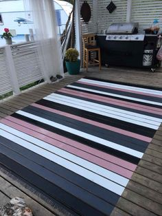 Rag rug painted on terrace floor Painted Porch Floors, Porch Flooring, Painted Rug, Beige Carpet, Diy Carpet, Carpet Ideas, Deck Rug, Outdoor Deck Decorating, Terrace Floor