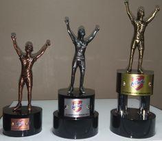 Troféus na Invicta Premiações.  Confira mais produtos no site: www.invictapremiacoes.com.br