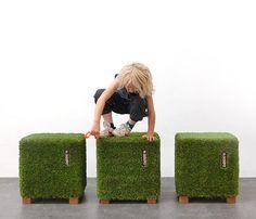 Mr. Grasshopper kunstgras design Poef | Dutch design | Webwinkel
