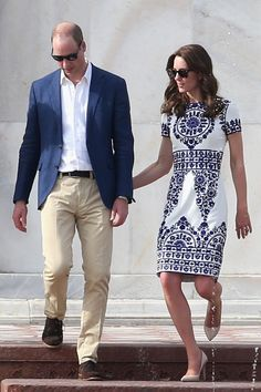 Kate Middleton e Príncipe William vistam Taj Mahal