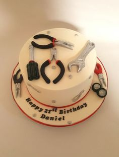 Ideas for birthday cake for husband 50th Birthday Cakes For Men, Birthday Cake For Husband, Cake Birthday, Mechanic Cake, Tool Box Cake, Cake Design For Men, Chocolate Mud Cake, Dad Cake, Fathers Day Cake