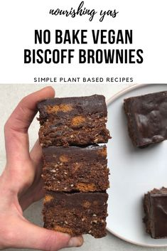 No Bake Vegan Biscoff Brownies | Nourishing Yas - Simple Plant based Recipes  #veganbrownies #biscoff #biscoffbrownies #veganchocolate #vegandesserts #rawdesserts #nobakedesserts #dessertrecipes #veganuary #veganrecipes