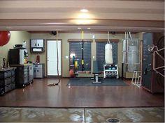 100 Garage Gym Ideas - Inspirational Home Gym Photos to Help You Brain Storm Crossfit Garage Gym, Home Gym Garage, Basement Gym, At Home Gym, Garage House, Design Garage, Home Gym Design, Gym Photos, Garage Remodel