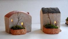 Little Ceramic Houses. Both looking very quaint with their trees & gardens. I'm not sure but I think these have some sort of light inside but I dont think its a candle. Clay Houses, Ceramic Houses, Miniature Houses, Ceramic Clay, Ceramic Pottery, Pottery Art, Ceramic Shop, Ceramics Projects, Clay Projects
