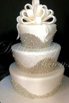 for my wedding day making my dad make this cake! Gorgeous Cakes, Pretty Cakes, Amazing Cakes, Perfect Wedding, Dream Wedding, Elegant Wedding, Bling Wedding, Luxury Wedding, Fancy Cakes