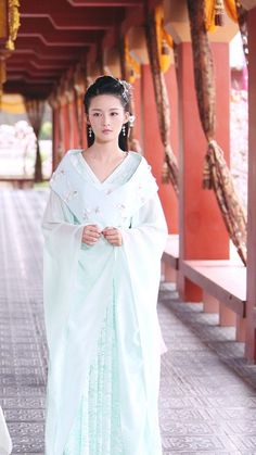 Li Qin 李沁 Girl Film, Princess Agents, Woman Movie, Ancient Beauty, Princess Outfits, Chinese Clothing, Oriental Fashion, Japanese Outfits, Chinese Actress