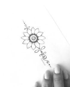 Tattoo Sunflower Collar Bone Fonts 33 Trendy Ideas – # – Tattoo Sunflower Coll… - Famous Last Words Bild Tattoos, Cute Tattoos, Unique Tattoos, Beautiful Tattoos, Tatoos, Spine Tattoos, Body Art Tattoos, Circle Tattoos, Triangle Tattoos