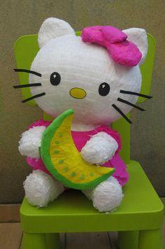 30 bellísimas piñatas para niñas | Tarjetas Imprimibles Piñata Hello Kitty, Hello Kitty Pinata, Hello Kitty Crafts, Hello Kitty Items, Snoopy Birthday, Hello Kitty Birthday, Ciara Birthday, Monster Pinata, Princess Pinata