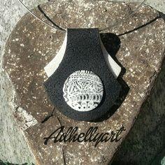 Retrouvez cet article dans ma boutique Etsy https://www.etsy.com/fr/listing/267041884/pendentif-en-pate-polymere-noir-et-blanc  #polymerclay #mokumegane #blackandwhite #patepolymere #pendentif #collier #necklace #cernit #sculpey