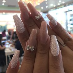 BOOM - 48 Fascinating Nails You Need To See Boom! Here are 48 Fascinating Nails You Need To See! All of these nails are lovely and currently are some of the most trending nails online right now. Stylish Nails, Trendy Nails, Cute Nails, My Nails, Best Acrylic Nails, Acrylic Nail Designs, Nail Art Designs, Nails Design, Glittery Acrylic Nails