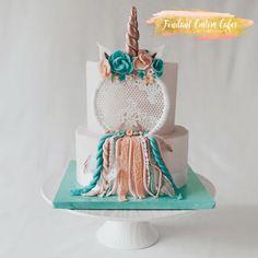 Boho baby shower - cake by Fondant Custom Cakes By Tabi Lavigne Cute Birthday Ideas, Birthday Cake Girls, Girl Cupcakes, Cupcake Cakes, Dream Catcher Cake, Bohemian Cake, Ballerina Cakes, Beautiful Birthday Cakes, Fashion Cakes