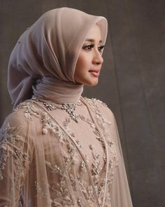 Best Ideas dress modest casual fashion tips Kebaya Modern Hijab, Dress Brokat Modern, Kebaya Hijab, Kebaya Dress, Kebaya Muslim, Wedding Hijab Styles, Muslim Wedding Dresses, Muslim Brides, Hijab Dress Party
