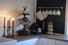 En tur innnom kjøkkenet.   Villa Paprika Villa, Sweet Girls, Wardrobe Rack, Norway, Kitchen Ideas, Furniture, Home Decor, Style, Swag