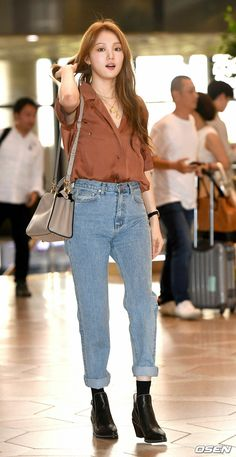 Kpop Fashion Outfits, Korean Outfits, Casual Outfits, Lee Sung Kyung Doctors, Lee Sung Kyung Wallpaper, Lee Sung Kyung Fashion, Weighlifting Fairy Kim Bok Joo, Lee Hyeri, Female Pose Reference
