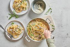 Cremige Landjäger-Spaghetti - Rezepte | little FOOBY Food And Drink, Cooking, Ethnic Recipes, Kid Cooking, Kid Recipes, Olive Oil Pasta, Master Chef, Cooking Recipes, Food And Drinks