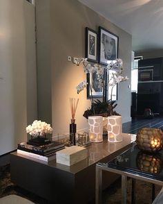 18 amazing decorating ideas to perfect your interior design 00017 Home Living Room, Interior Design Living Room, Living Room Decor, Interior Decorating, Bedroom Decor, Coffee Table Styling, Decorating Coffee Tables, 139, Luxury Interior