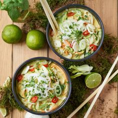 Green Thai Curry with Pak Choi. Flavorful Green Thai Curry with Zucchini. Carrots and Pak Choi. Ready in just 20 Minutes! (in German) Healthy Recipes, Thai Recipes, Asian Recipes, Soup Recipes, Diet Recipes, Vegetarian Recipes, Simple Recipes, Cookie Recipes, Vegetarian Lifestyle