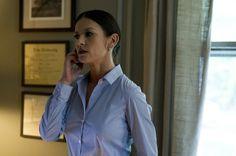 #EffettiCollaterali - L'attrice premio Oscar #CatherineZetaJones interpreta la psichiatra Victoria Siebert nel thriller diretto da #StevenSoderbergh. Dal 1° Maggio 2013 #alcinema.