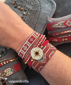 off loom beading techniques Loom Bracelet Patterns, Bead Loom Bracelets, Bead Loom Patterns, Jewelry Patterns, Beading Patterns, Beading Ideas, Seed Bead Jewelry, Beaded Jewelry, Jewellery