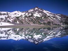 Ośnieżone góry - Darmowe tapety na kompa: http://wallpapic.pl/krajobrazy/zasniezone-szczyty-gorskie/wallpaper-39858
