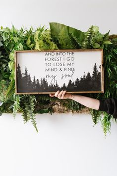 Into The Forest I Go Wood Sign Inspiring Quotes Rustic - Home Decor Woood Rustic Walls, Rustic Wall Decor, Rustic Signs, Reclaimed Wood Signs, Rustic Wood, Diy Casa, Décor Antique, Painting Quotes, Diy Painting