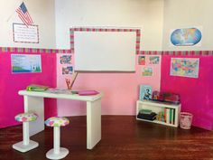 doll furniture An easy doll school house for your dolls Diy Ag Dolls, Diy Doll, Doll Furniture, Dollhouse Furniture, Ag Doll House, Doll Houses, Girls Dollhouse, Victorian Dollhouse, Modern Dollhouse