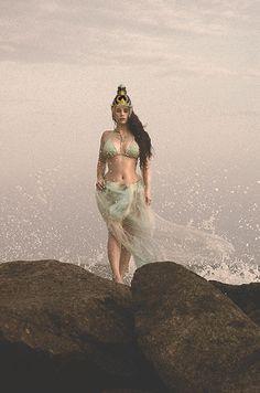 Ratu Kidul atau ratu pantai selatan adalah penguasa laut kidul atau samudera hindia yang sangat melegenda