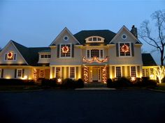 435 Best Christmas Houses....all dressed up for the holidays! images ...