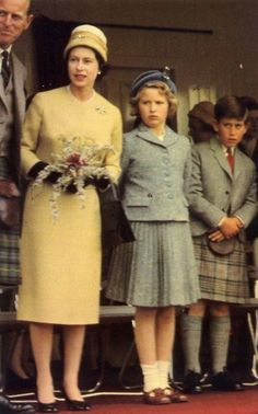 Queen Elisabeth II with Philip, Duke of Edinburgh, Prince Chales in a kilt